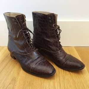 Kenneth Cole Vintage Textured Leather Boots